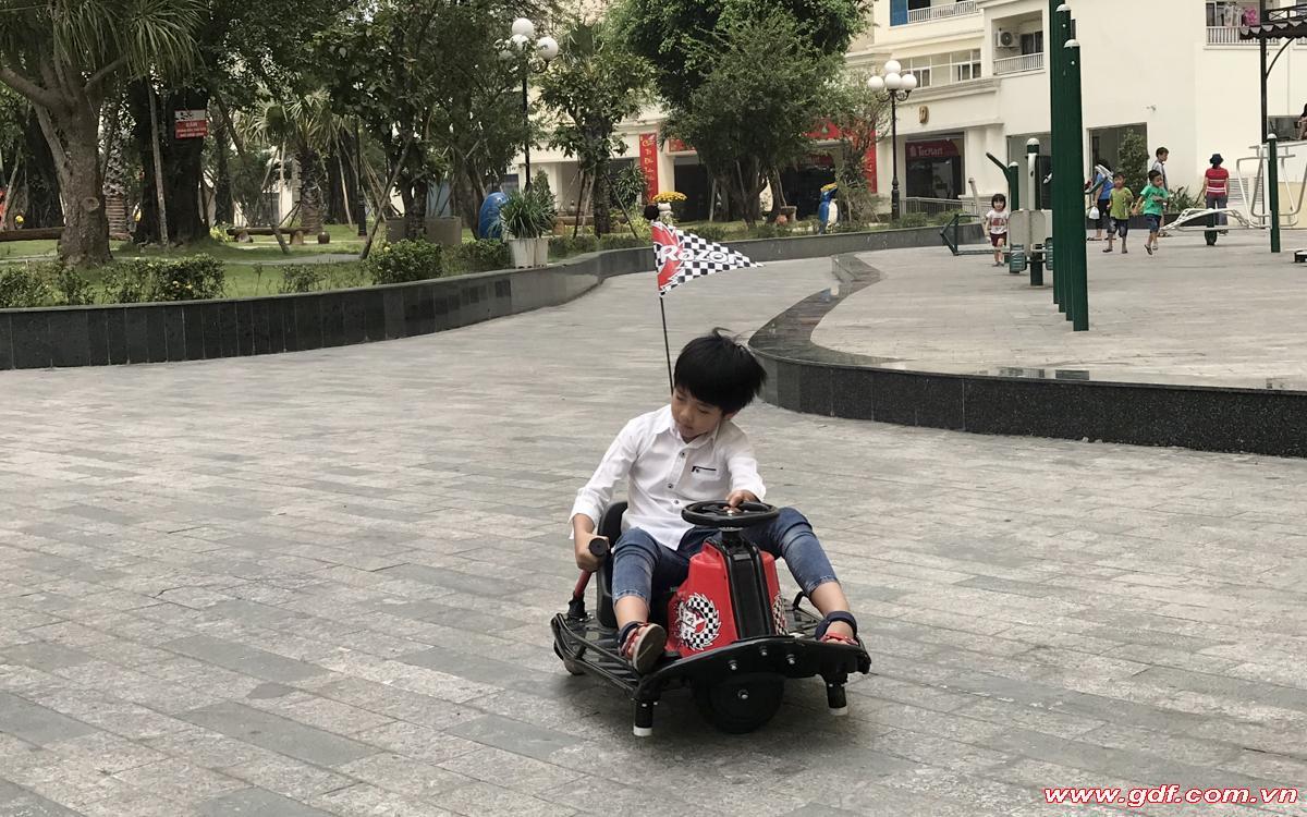 Razor cart action
