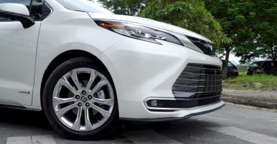 Toyota Siena Platium 2.5L Hybrid 2021 Nhập Từ Mỹ